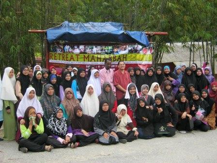 Pelajar muslimah Tahun 1 (2012/2013) - Pengajian Akidah Dan Agama.